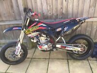 Honda crf 450r supermoto 2003 mint condition!!!tricked to the max!! 12mths mot