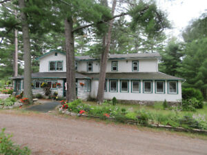 Happy Landing Lodge, Noelville, Ontario on Trout Lake