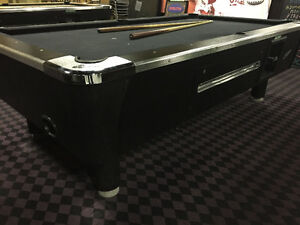 8 FOOT BLACK WITH CHROME ACCENT POOL TABLE