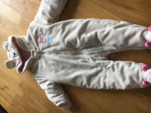 Baby girls snow suite size 6-9 months