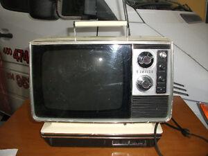 1950 Petite ZENITH TV Télevision Portative à batterie & AC