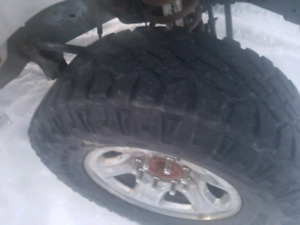 4 285 70 17 durtrax on rims