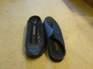 Brand New Men's Navy Sketchers Clogs size 44