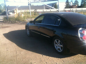 2005 Nissan Altima certified and e tested Sedan