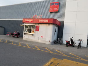 GOLDEN OPPORTUNITY! HOT DOG BUSINESS FOR SALE AT CANADIAN TIRE