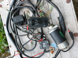 Yamaha / mariner starter motor and wiring loom.