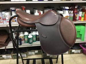New 16in Intrepid Arwen Close Contact English Saddle