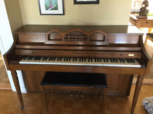 Piano droit Whitney