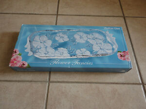 Brand new in box decorative glass crystal floral serving tray London Ontario image 1