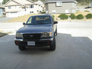 1998 Toyota Tacoma sr5 Pickup Truck