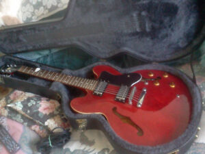 GUITARE EPIPHONE DOT CHERRY BY GIBSON + CASE RIGIDE