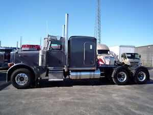 2007 Peterbilt 379 flat top with 46,000 rears and new engine