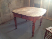 Antique solide oak tables & 5 chairs