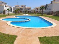 Costa Blanca, Ground floor apt, sleeps 4, English TV, A/C, communal pool from £150 pw (SM010)