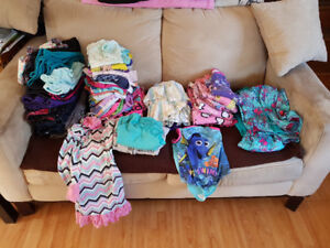 Girls size 5 & 6 clothes ( 55 Pieces)