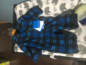Baby boy snow suit 0-3(NWT)