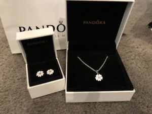 Pandora necklace and earrings (white flower) (retired)