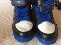 Heelys X2 size 3
