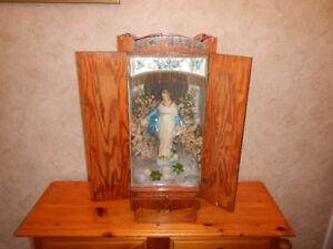 Belle Statue Ave Maria Dans son Casing en Bois Antique