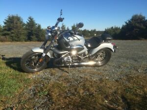 BMW R1200C Great Condition!