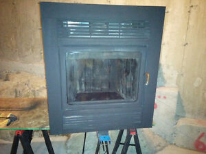 Foyer encastrable combustion lente