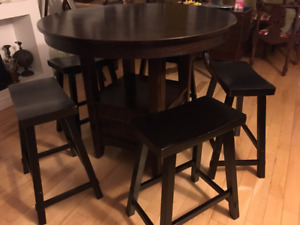BEAUTIFUL ROUND HIGH DINING TABLE WITH CHAIRS