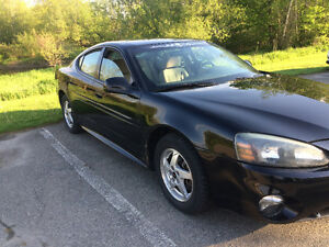 2004 Pontiac Grand Prix Sedan Coupe (2 door)