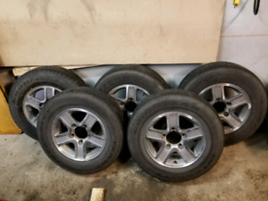 Goodyear 215 70r15 avec mags