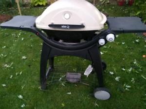 WeberQ 3200 2-Burner Liquid Propane BBQ