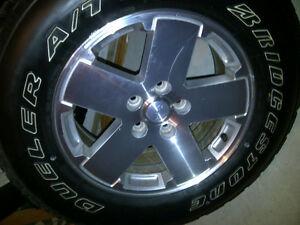 Bridgestone Dueler A/T  P255/70R/18 tires on Alloy rims