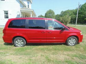 2013 Dodge Grand Caravan Minivan, Van