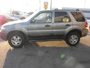 SPOTLESS !!  2006 ESCAPE WITH LEATHER AND SUNROOF  112 KMS