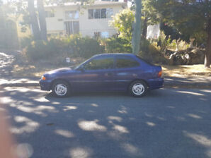 $2800.00 Hyundai Accent Low KM's