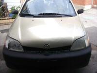 2000 Toyota Echo Familiale