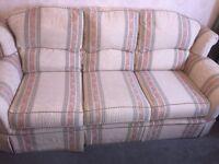 3 + 2 + 1 large sofa suite *Excellent condition*