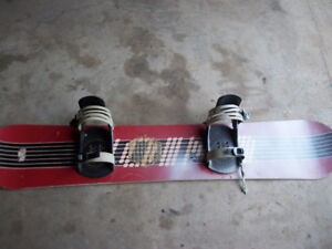 """Snowboard 59"""" with bindings no name"""