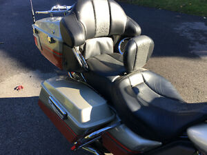 2009 HD FLHTCUSE CVO Ultra Classic Electra Glide REDUCED West Island Greater Montréal image 6