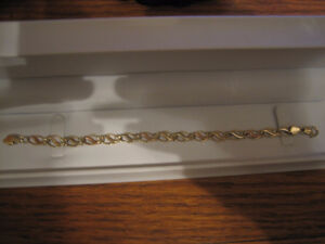 ELEGANT THREE TONE GOLD BRACELET FOR SALE