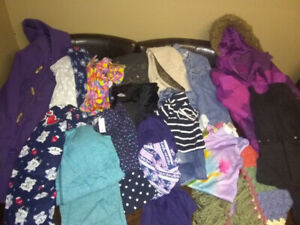 Girls Clothes $25 20 Pieces Size 8-10