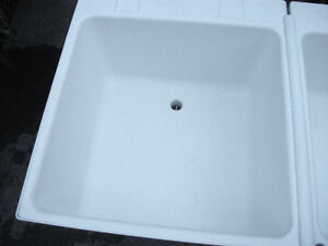 White Double Sink Freestanding Laundry Room London Ontario image 4