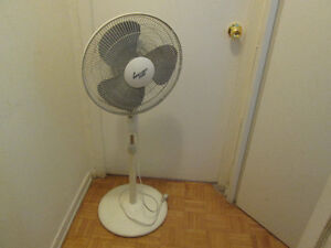15 inch Stand Fan with round  base for sale $5