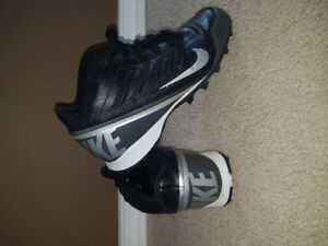 Nike Youth Football Cleats Size 5