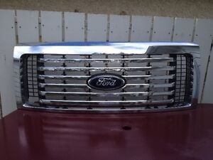 FOR SALE;   FORD F150 CHROME GRILL
