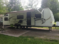 27' BHSS Flagstaff Travel Trailer