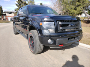 2014 Ford F150 FX4 lots of upgrades!