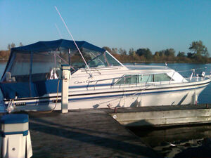 29' Chris Craft Power Boat - Immaculate Condition