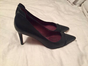 Coach Authentic Black Leather Pointed Toe Pumps / Heels