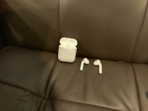 Gently Used Apple AirPods 1st Generation
