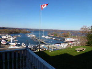 4-bdrm House on Waterfront