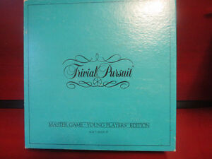 TRIVIAL PURSUIT Master Game Young Players Edition